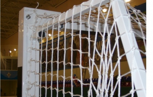 Improved net for the soccer gate